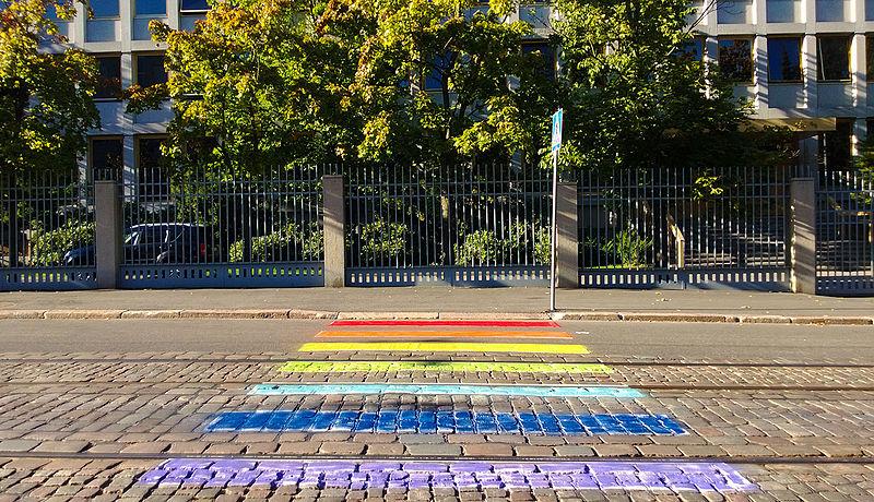 Russian_Embassy_in_Helsinki,_LGBT_pavement